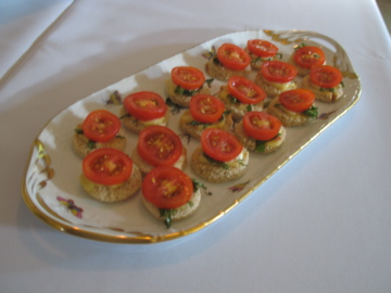 BLT canapes with bacon aioli and basil